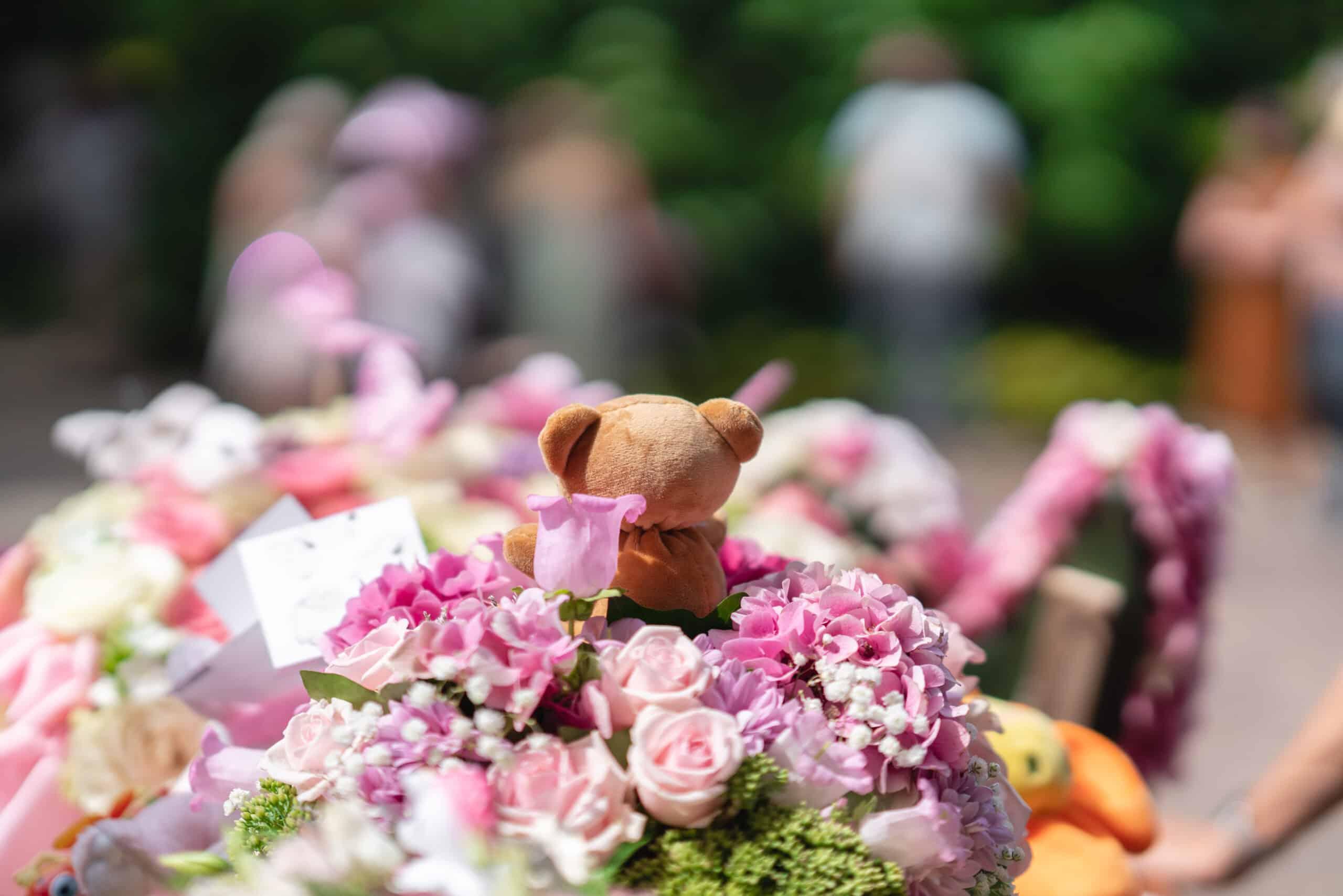 Uitvaart bloemen, beertje aug